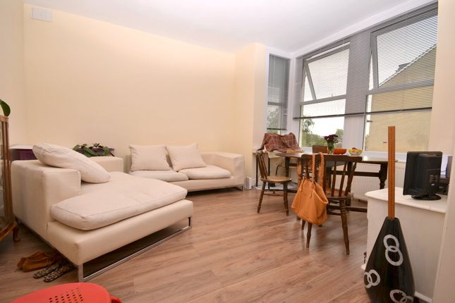Flat to rent in Hitherfield Road, Streatham, London
