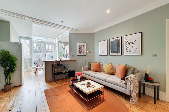 Thumbnail Flat to rent in Downton Avenue, London