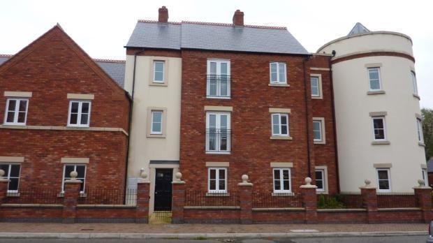 Thumbnail Flat to rent in Ladybank Avenue, Preston