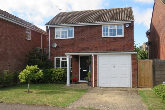 Thumbnail Detached house for sale in Eriboll Close, Linslade, Leighton Buzzard
