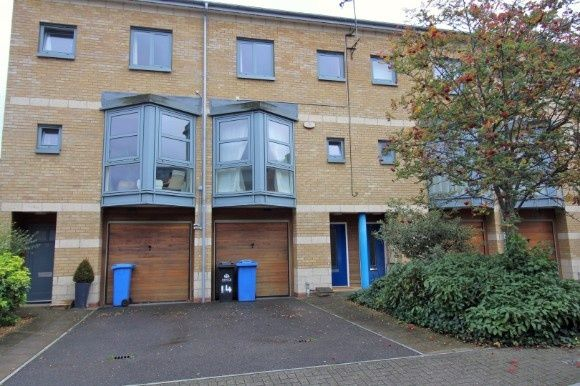 Thumbnail Town house to rent in Maude Street, Waterfront Development, Ipswich