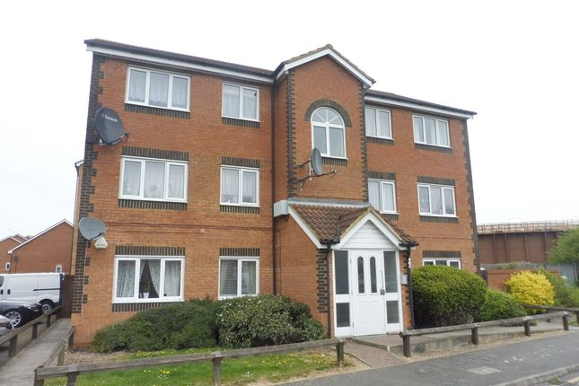 Thumbnail Flat for sale in Dunraven Avenue, Luton