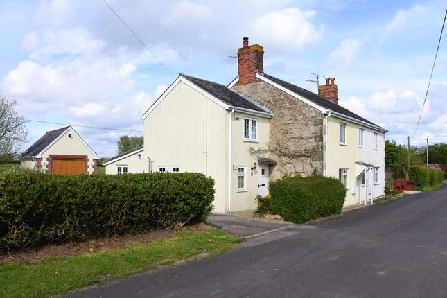 Thumbnail Semi-detached house for sale in Colesbrook, Gillingham