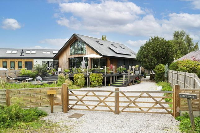 Thumbnail Detached house to rent in Towpath, Shepperton, Middlesex