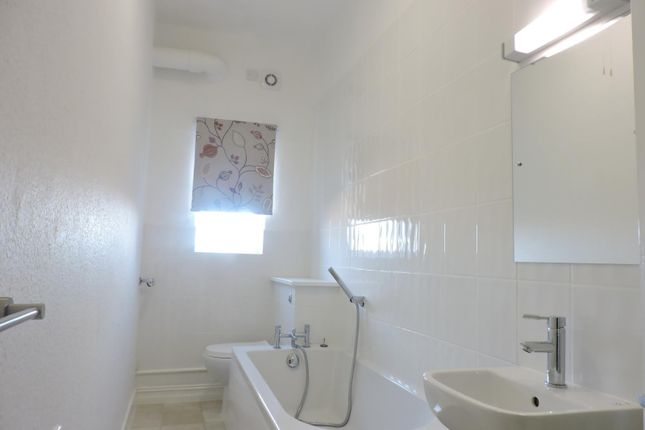 Thumbnail Flat to rent in St Aubyns Gardens, Top Floor Flat, Hove