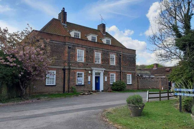 Commercial property to let in Wrotham