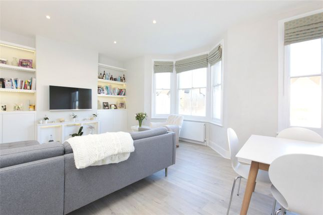 Thumbnail Flat for sale in Cavendish Road, First Floor Flat, Clapham South, London