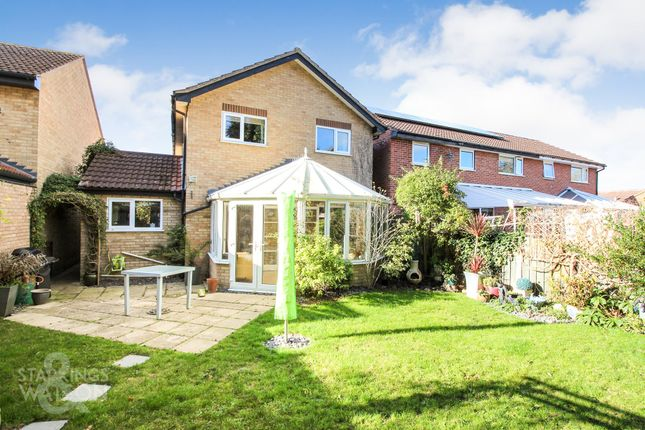 Thumbnail Detached house for sale in Otter Drive, Mulbarton, Norwich