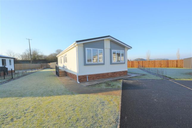 2 bed detached bungalow for sale in St. George Close, Gateforth Park, Selby YO8