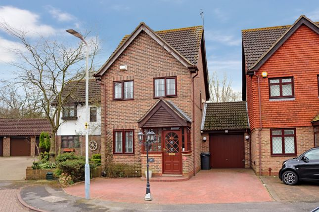 Thumbnail Link-detached house for sale in Marsworth Close, Hayes