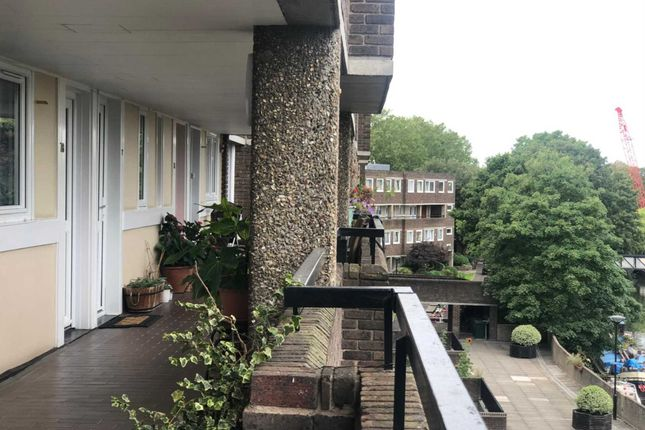 Thumbnail Flat for sale in Galba Court, Augustus Close, Brentford