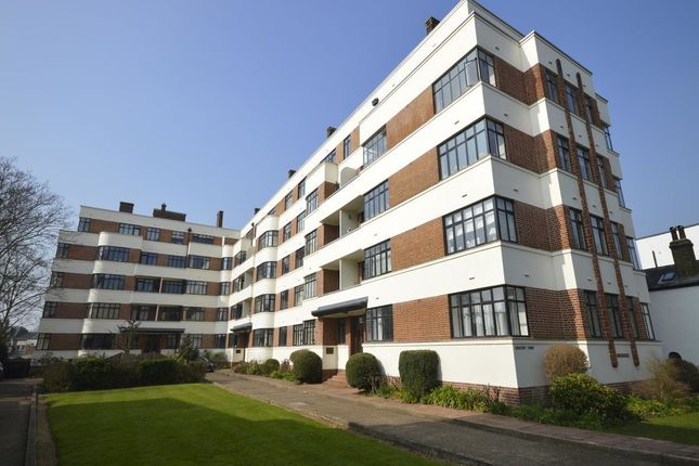 Thumbnail Flat to rent in The Crescent, Surbiton