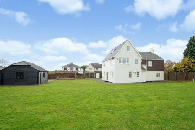 Thumbnail Detached house to rent in Lovel Road, Winkfield