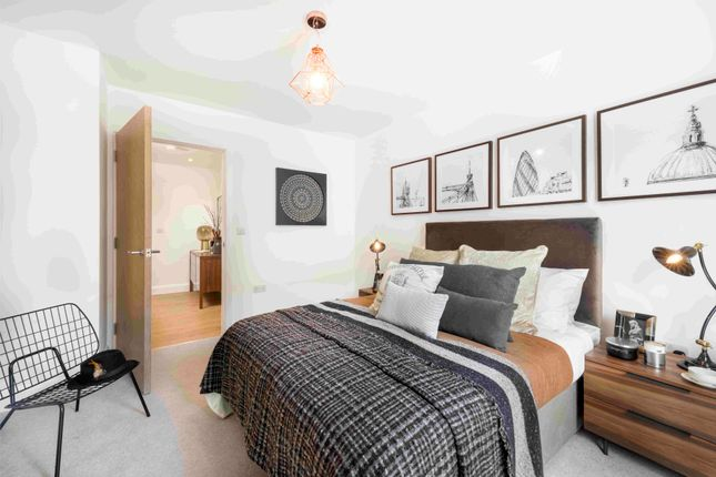 Thumbnail Flat for sale in Union Close, London