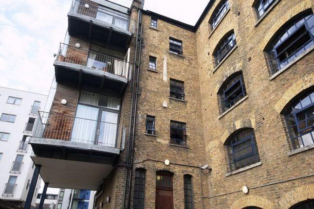 Thumbnail Detached house to rent in Long Lane, London