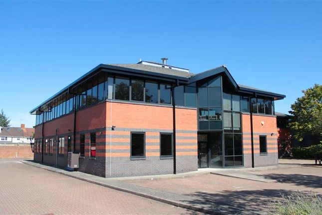 Thumbnail Warehouse to let in Unit 5, Cordwallis Business Park, Clivemont Road, Maidenhead
