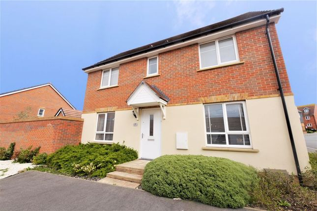 3 bed detached house for sale in Kestrel Way, Didcot OX11