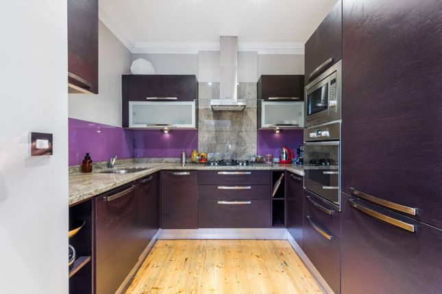 Thumbnail Flat for sale in Alexander Road, Upper Holloway