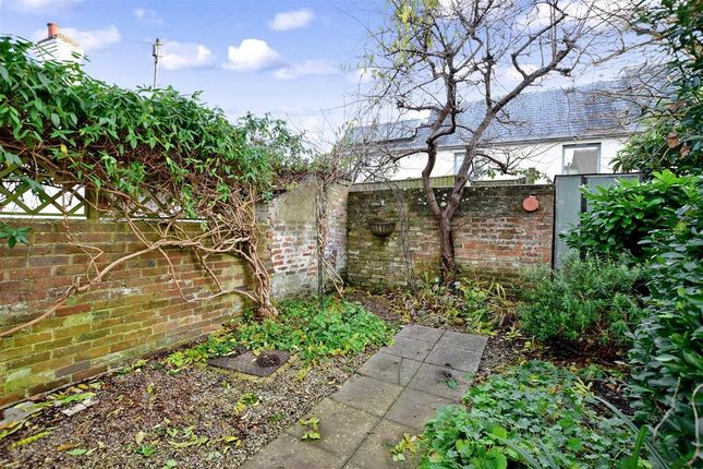 2 bed terraced house for sale in Sun Street, Lewes, East Sussex