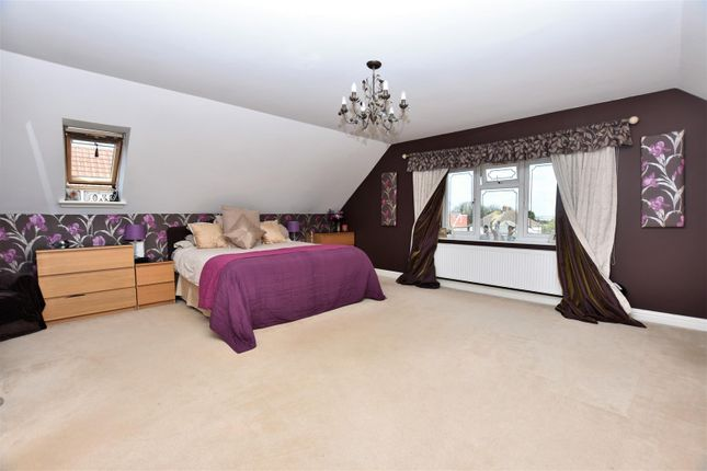 Thumbnail Detached house for sale in Hedge Place Road, Greenhithe