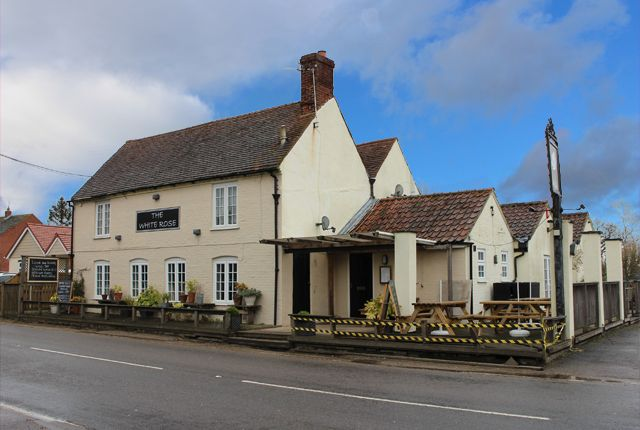 Thumbnail Pub/bar to let in Frating Road, Great Bromley