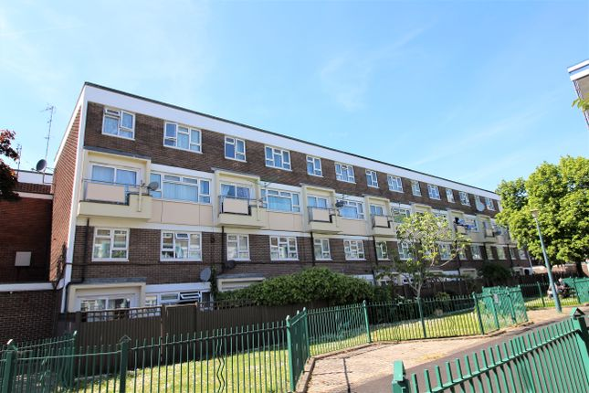Thumbnail Flat to rent in Sackville Street, Southsea