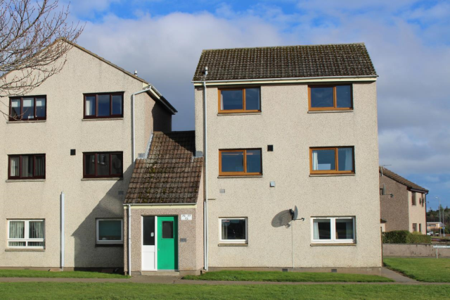 Thumbnail Maisonette to rent in Meadow Crescent, Elgin, 6Er