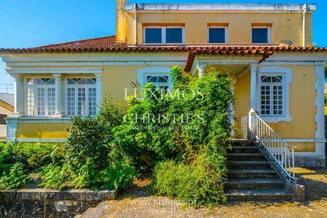 Villa for sale in Nossa Sra. Do Amparo, 4830 Póvoa De Lanhoso, Portugal