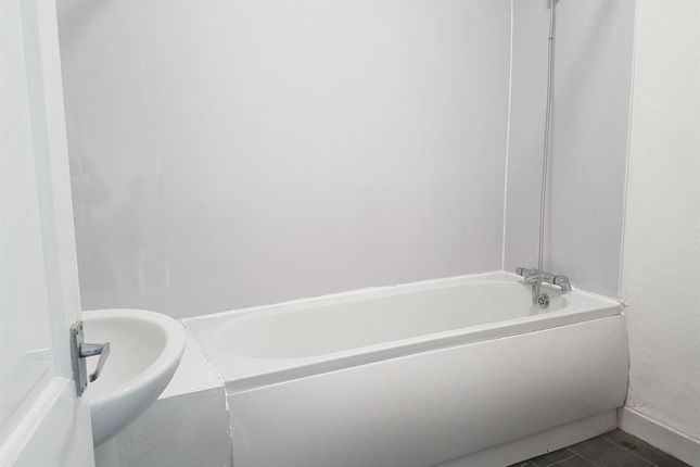 Bathroom of Leyland Road, Burnley BB11