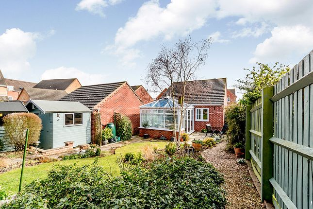 Thumbnail Bungalow for sale in Shackleton Close, Shortstown, Bedford
