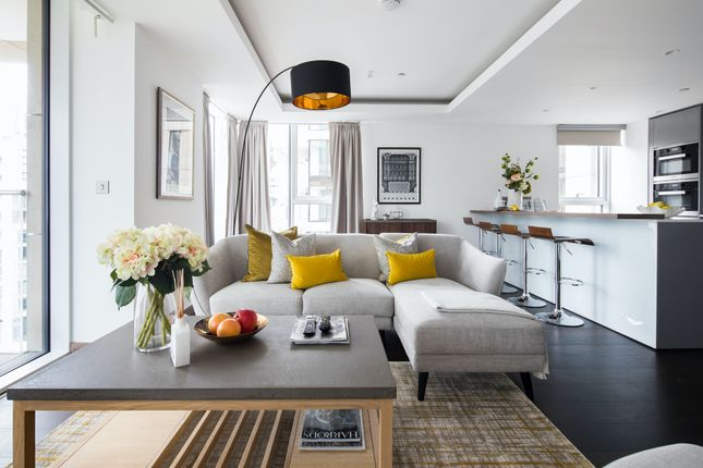 Flat to rent in North Wharf Road, London