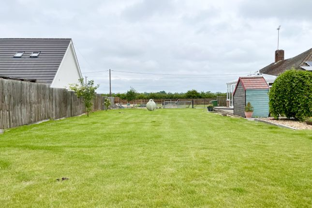 3 bed bungalow for sale in Mepal, Ely, Cambridgeshire CB6