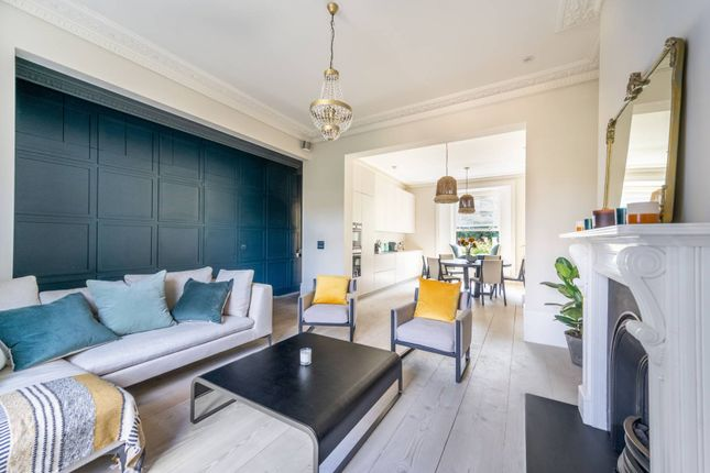Thumbnail Flat to rent in Chepstow Villas, Westbourne Grove, London