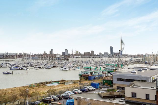 2 bed flat to rent in Rope Quays, Gosport PO12