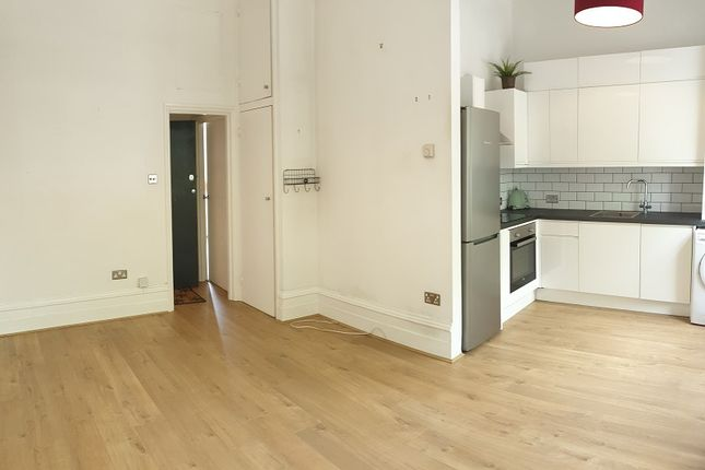 Thumbnail Flat to rent in Chiswick High Road, Chiswick, London.
