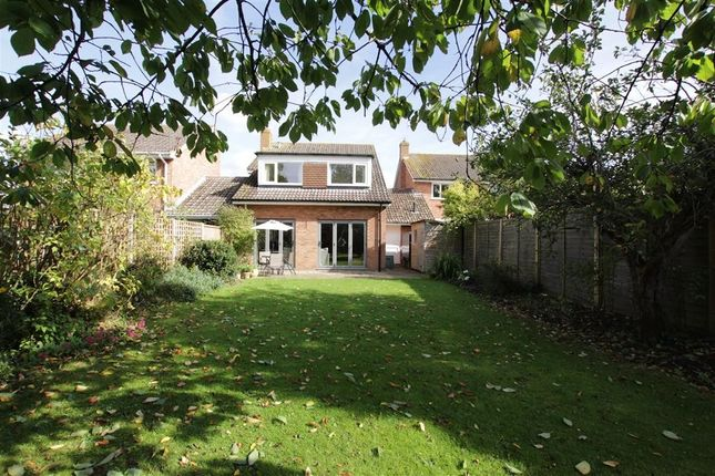 Thumbnail Link-detached house for sale in The Strouds, Beenham, Reading