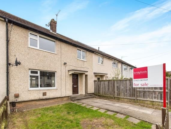 3 bed terraced house for sale in Byland Place, Harrogate, North Yorkshire, .