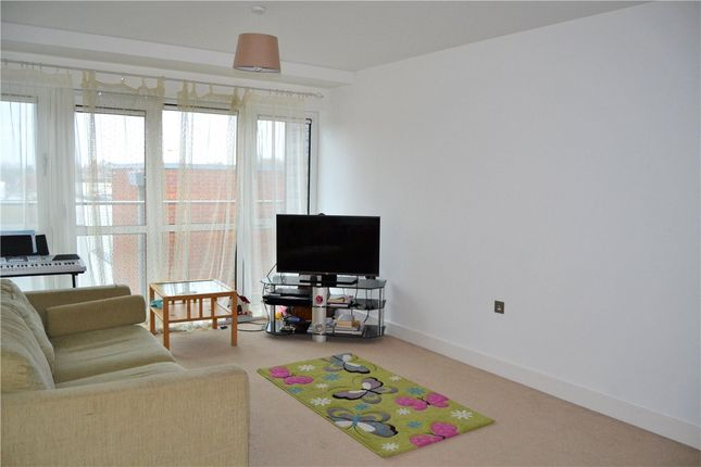 Living Area of Parkway, Newbury, Berkshire RG14