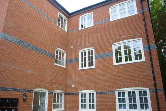 Thumbnail Flat to rent in Hatfield Heath Road, Sawbridgeworth, Hertfordshire