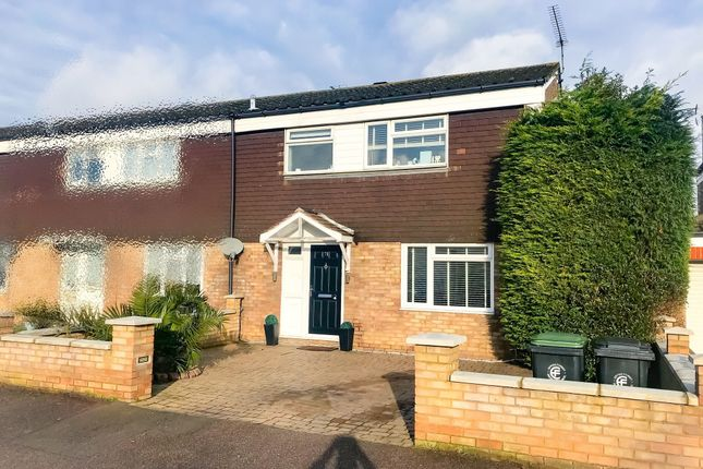 Thumbnail Property to rent in Round Hills, Waltham Abbey, Essex
