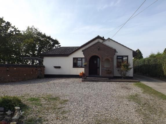 Thumbnail Bungalow for sale in Ramsden View Road, Wickford
