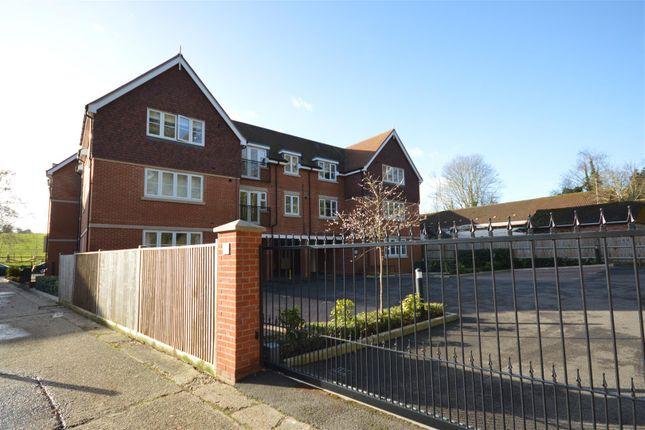 Thumbnail 2 bedroom flat for sale in Waterhouse Lane, Kingswood, Tadworth