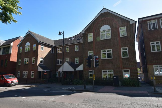 Thumbnail Property to rent in Bell Street, Reigate