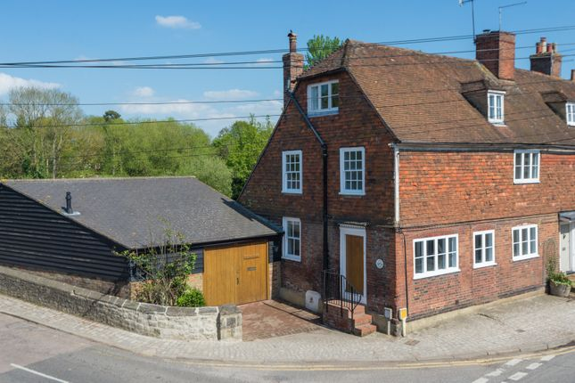 Thumbnail Cottage for sale in High Street, Yalding