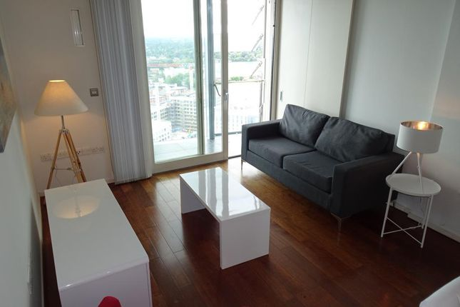 Thumbnail Flat to rent in Beetham Tower, 10 Holloay Circus