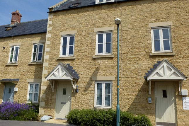 Thumbnail Flat to rent in Churn Meadows, Cirencester