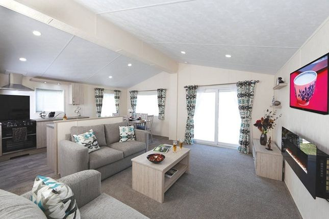 Thumbnail Lodge for sale in Carnaby, Bridlington