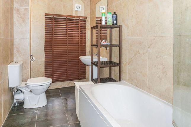 Bathroom of 7-9 Bank Street, Wakefield WF1