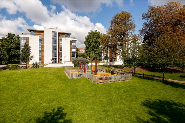 2 bed flat for sale in Whitelands Crescent, London