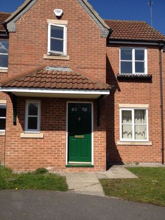 3 bed semi-detached house to rent in West Grove, Hull